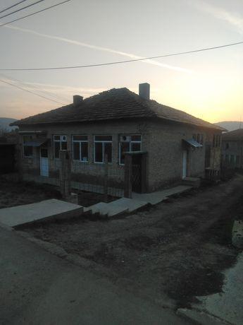 270кв.м. застроена площ Фурна + 600кв.м. двор/ с.Крепча общ.Опака