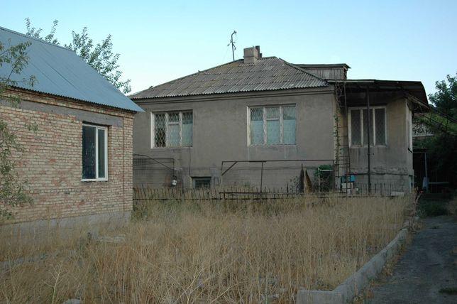 Два дома полутороэтажный  и одноэтажный на одном участке