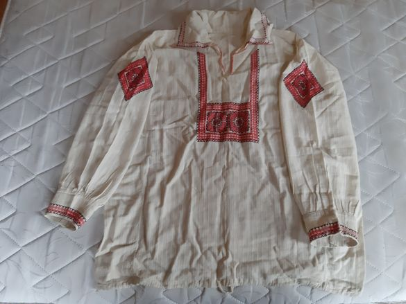 Автентични старинни ризи от носии