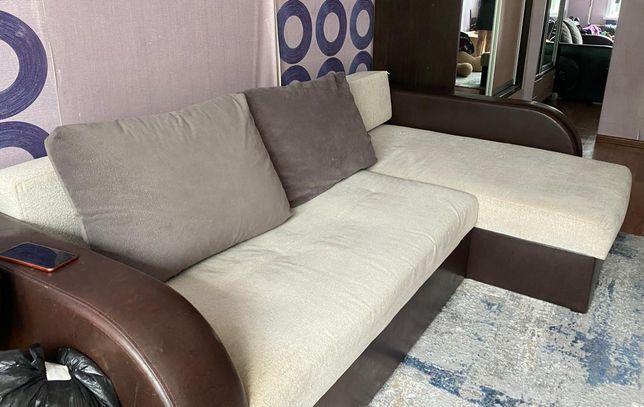 Продам угловой диван в хорошем состоянии