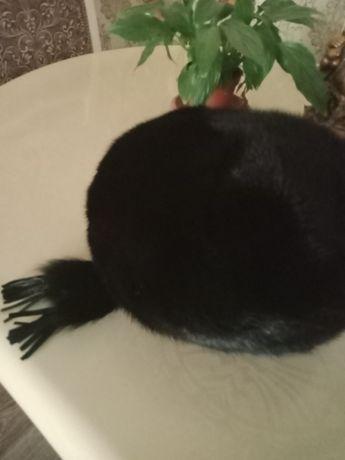 Продам очень красивую шапку норка.черная.Не одевали