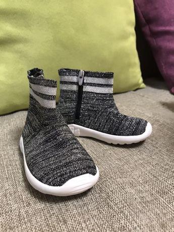Демисезонные новые сапоги Zara baby