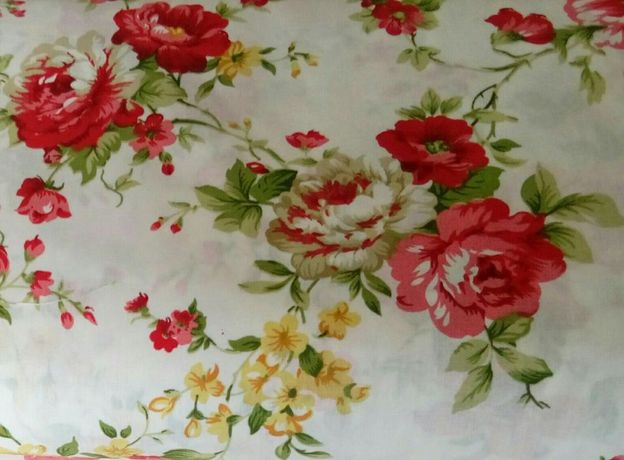 Fata de masa cu trandafiri rosii. Bumbac 100% 6/12 pers. Festiva!