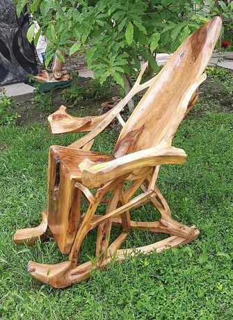 Люлеещ стол от орех