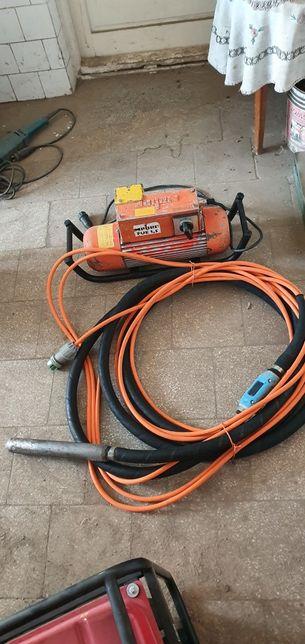 Vand 2 vibratoare profesionale beton