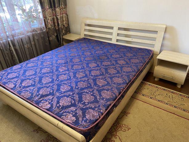 Продам российский спальный гарнитур
