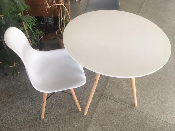 Новый стол со стульями