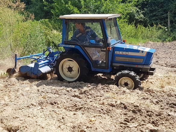 Услуги с малък трактор / Тракторни услуги