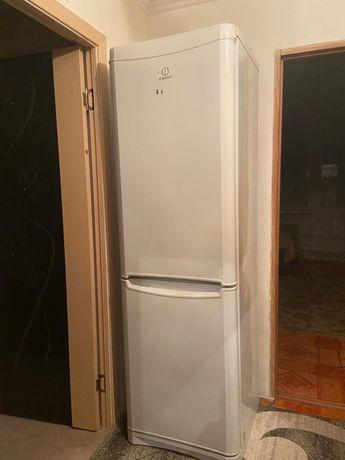 Холодильник рабочий срочно