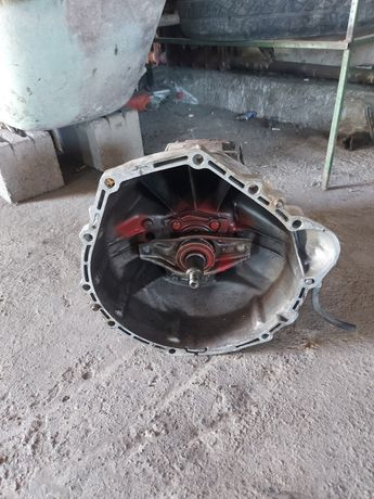 Коробка 5 ступка мотор 102 позапчастям