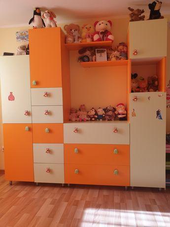 Mobila cameră copii+canapea extensibila