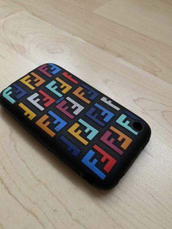Husa.FENDI.Iphone.4.4S 100%originala(Legit)