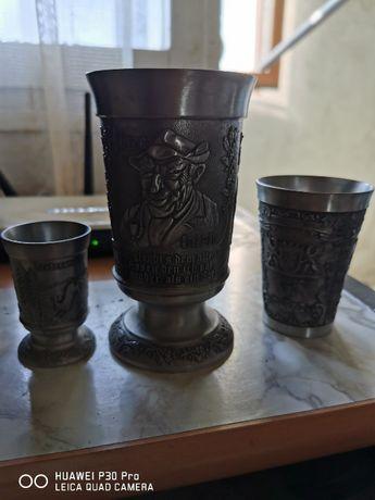 Високо просребрени антични чаши.