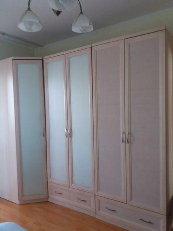 Срочно, шкафы для спальни!