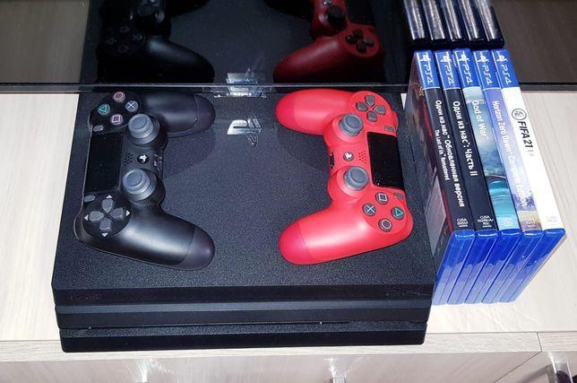 Продам PS4 PRO, 2 джойстика, 5 игр.