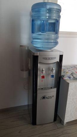 Dozator apa (dispenser apa)