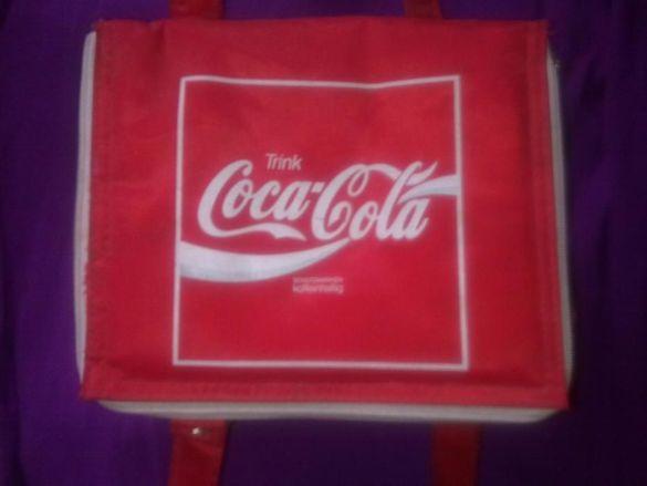 Продавам чантичка Кока Кола (Coca cola)