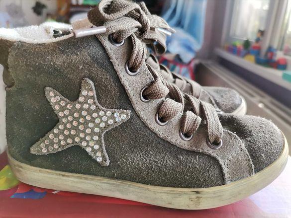 Детски велурени обувки номер 26