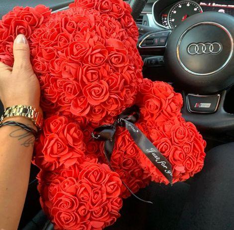 Мече от рози за подарък
