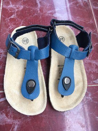 Детски сандали-нови