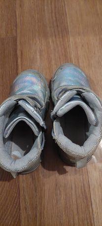 Ботинки осень 28 рр 2000
