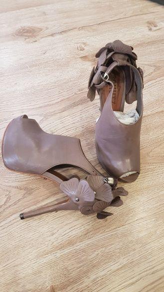 Schutz обувки на висок ток