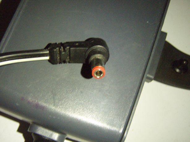 Alimentator Respironics 12V cu 5A (60W), mufa rotunda cu gaura