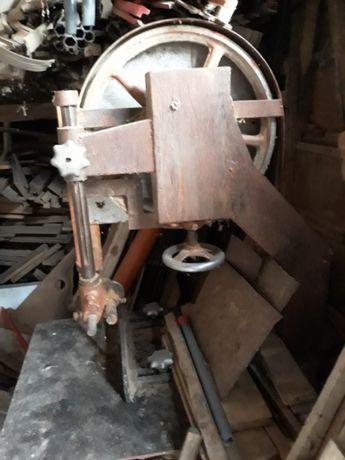 Оборудване, машини и инструменти от дърводелска работилница