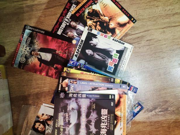 Диски с фильмами на китайском.