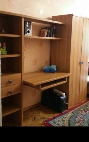 Шкаф. Стенка. Стол. Мебель.