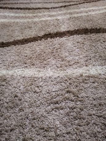Продам ковёр. 2.5на 4