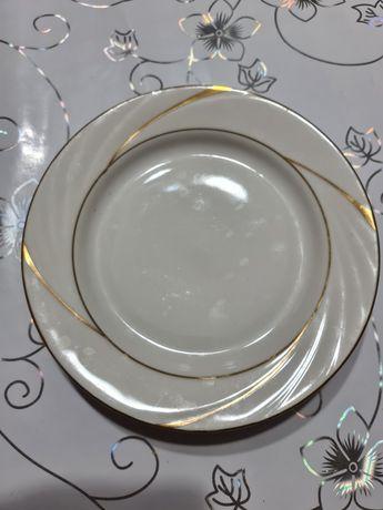 Тарелки столовые