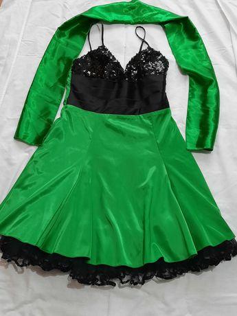 Vând rochiță mărimea S-M