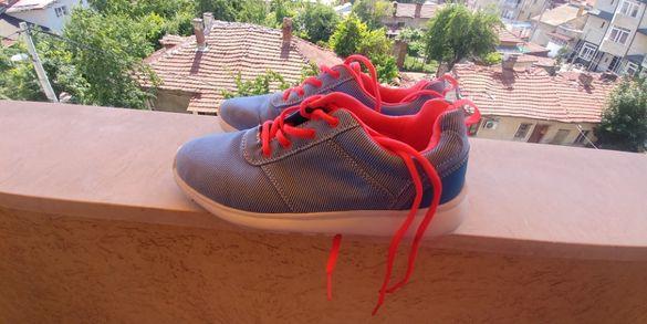 Продавам летни маратонки Vry от dichman 40 номер