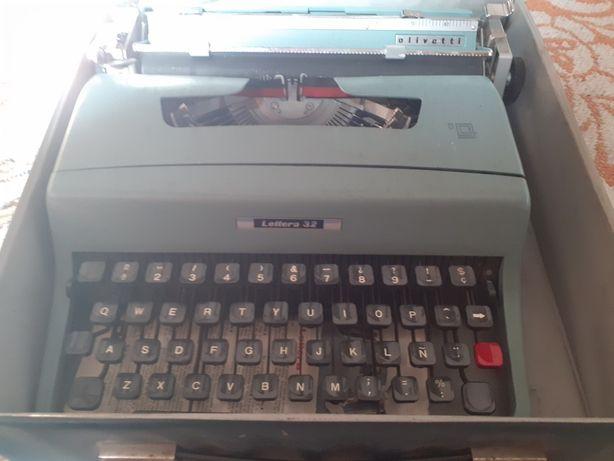Masina scris vintage Hispano Olivetti