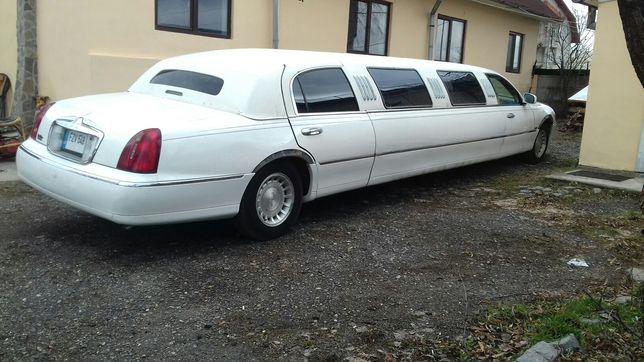Inchiriez limuzina Lincoln pentru evenimente inchiriat inchirieriNunti
