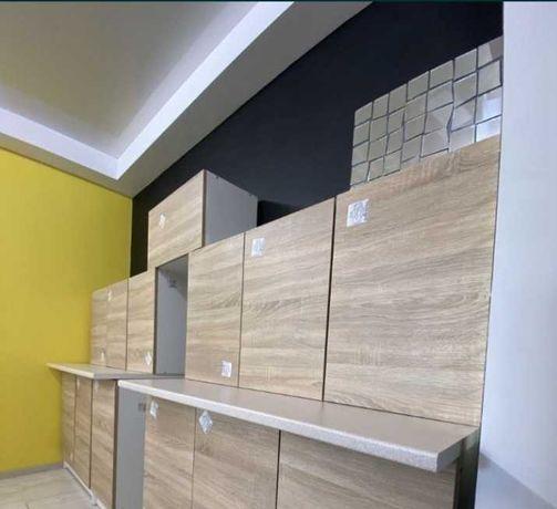 Продам срочно кухоней гарнитур стенка прямая 3 метра