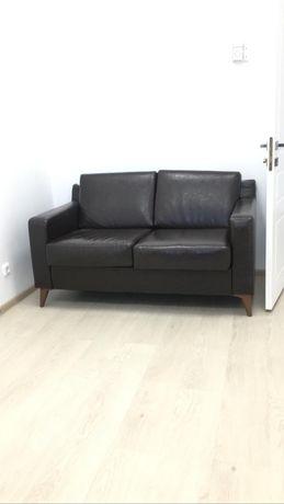 Офисный диван темнокоричневый