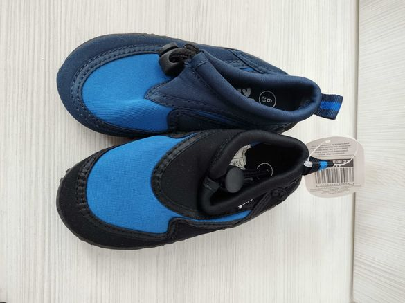 Нови Обувки за вода, плаж, камъни размер  23