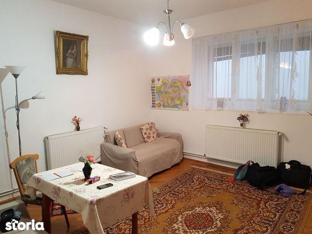 Apartament la casă în zona Centrul Civic, cod 8505