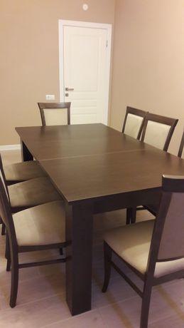 Продам столовый стол со стульями