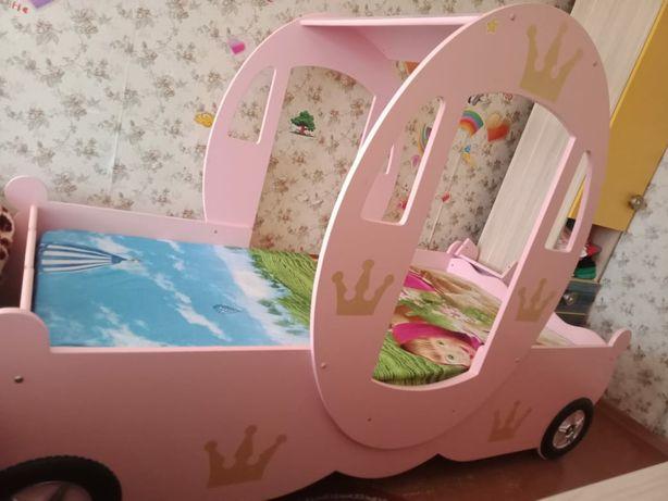 Кровать детская для девочки.
