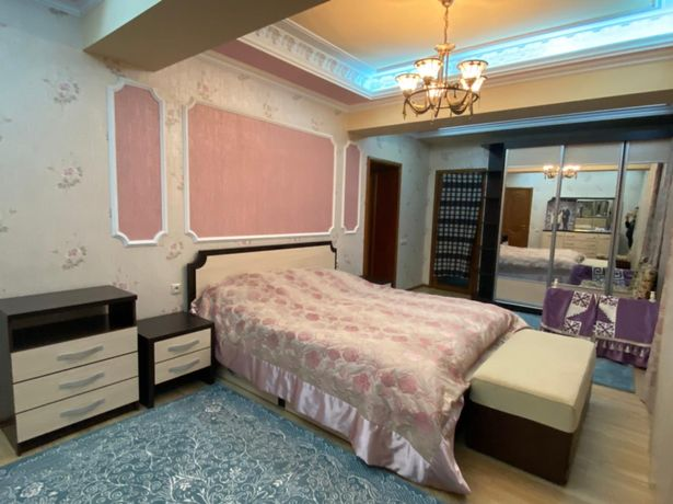 Продается спальный гарнитур в комплекте