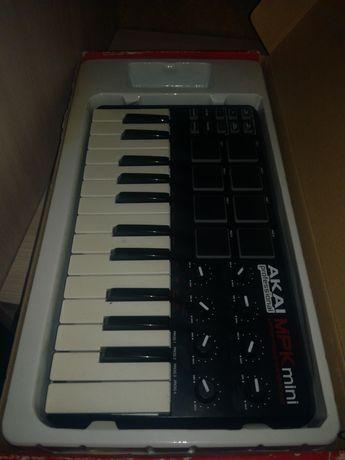 Студийная midi клавиатура Mpk mini
