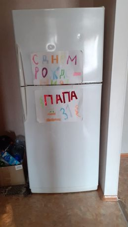 Продам холодильник 2-камерный нерабочий