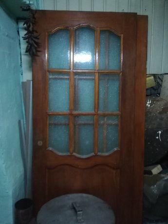 Продам между комнатные двери