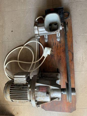 Vand masina tocat carne+motor trifazic cu reductor