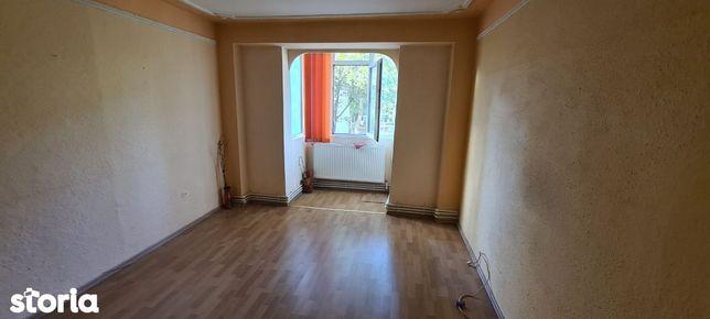Apartament, 2 camere, zona Viziru 3
