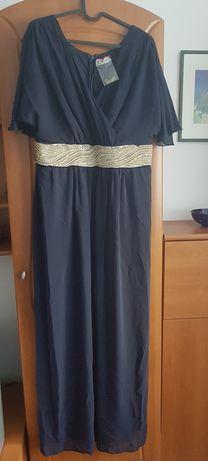 Vand rochie nouă