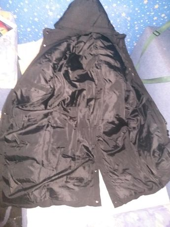 продам куртку Armani.